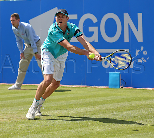 27.06.2015.  Nottingham, England. Aegon Nottingham Open Tennis Tournament. Backhand from Sam Querrey (USA) who lost to Denis Istomin (UZB) in straight sets