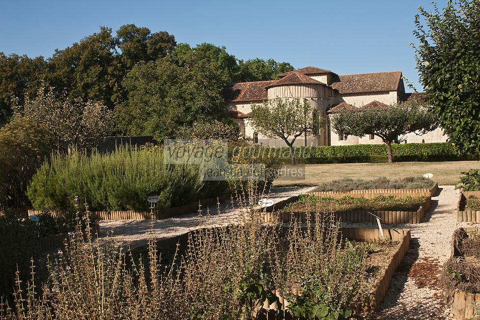 Europe/France/Midi-Pyrénées/32/Gers/Valence-sur-Baïse: Abbaye de Flaran -  Jardin des plantes aromatiques et médecinales connu aussi sous le nom de Jardin des Simples et le chevet de l'église romane