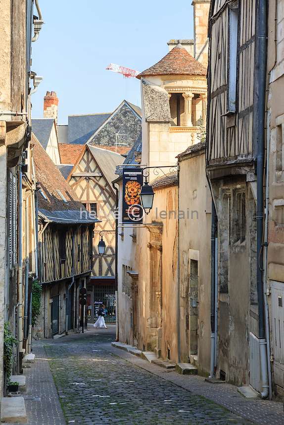 France, Cher (18), Bourges, rue de l'Hôtel Lallemant // France, Cher, Bourges, Hotel Lallemant street