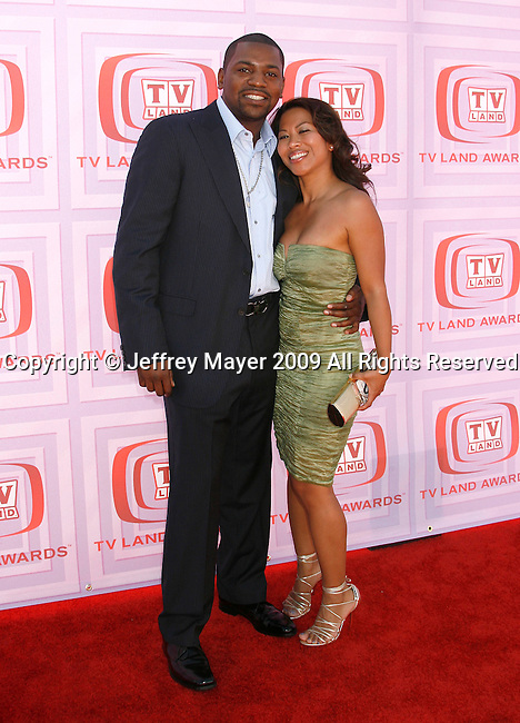 UNIVERSAL CITY, CA. - April 19: Mekhi Phifer and guest  arrive at the 2009 TV Land Awards at the Gibson Amphitheatre on April 19, 2009 in Universal City, California.