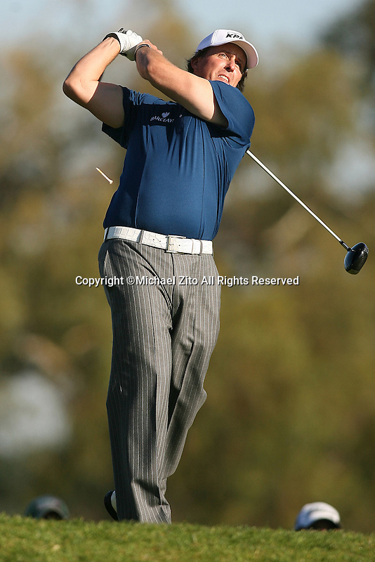 01/28/10 San Diego, CA: Phil Mickelson during the fist round of the Farmers Insurance Open. A PGA tournament held at Torrey Pines Golf Course.