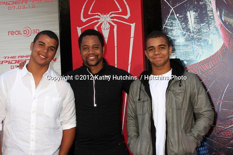 """LOS ANGELES - JUN 28:  Cuba Gooding Jr. and sons arrives at the """"The Amazing Spider-Man"""" Premiere at Village Theater on June 28, 2012 in Westwood, CA"""