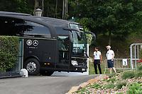 Teambus kommt an - 31.05.2018: Training der Deutschen Nationalmannschaft zur WM-Vorbereitung in der Sportzone Rungg in Eppan/Südtirol