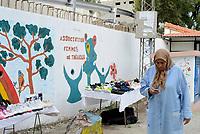 Tabarka, Tunisia, 18 Settembre 2018<br /> donna in strada