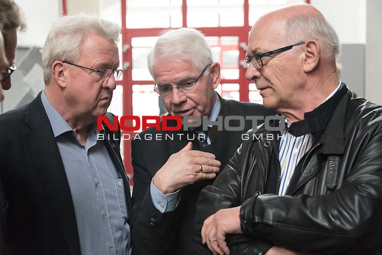 25.03.2015, Industriering, Lohne, Werder Bremen Deligation Besucht Fa Fahling in Lohne, im Bild<br /> <br /> Heiner Rottinghaus (Markentingchef Werder Eck Lohne)<br /> Paul Heinz Wesjohann ( Seniorchef und Berater PHW-Gruppe / LOHMANN &amp; CO. AG)<br /> Klaus-Dieter Fischer (Ehrenpr&auml;sident Werder Bremen)<br /> <br /> Foto &copy; nordphoto / Kokenge **** Attention **** keine Online / Social Media Verwendung ohne Absprache und Genehmigung ***** - Exclusiv Bilder ****