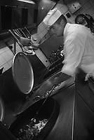 Europe/France/Normandie/Basse-Normandie/61/Orne/Connerré : Mr Després spécialiste de la rillette sarthoise dans son laboratoire