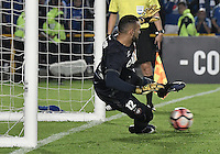 BOGOTA - COLOMBIA -08 -02-2017: Weverton, arquero de Paranaense, durante la serie de definición en el partido entre Millonarios de Colombia y Atletico Paranaense de Brasil, por la segunda fase, llave 1 de la Copa Conmebol Libertadores Bridgestone 2017 jugado en el estadio Nemesio Camacho El Campin, de la ciudad de Bogota. / Weverton, goalkeeper of Paranaense, during the definition by penalty series in a match between Millonarios of Colombia and Atletico Paranaense of Brasil, for the second phase, key1, of the Conmebol Copa Libertadores Bridgestone 2017 played at Nemesio Camacho El Campin in Bogota city. Photo: VizzorImage / Gabriel Aponte / Staff.