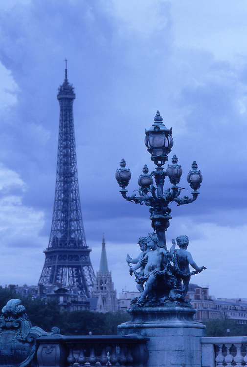 Europe, FRA, France, Paris, Eiffel Tower, Sculptures on Pont Alexandre-III....[ For each utilisation of my images my General Terms and Conditions are mandatory. Usage only against use message and proof. Download of my General Terms and Conditions under http://www.image-box.com or ask for sending. A clearance before usage is necessary...Material is subject to royalties. Each utilisation of my images is subject to a fee in accordance to the present valid MFM-List...Contact | archive@image-box.com | www.image-box.com ]