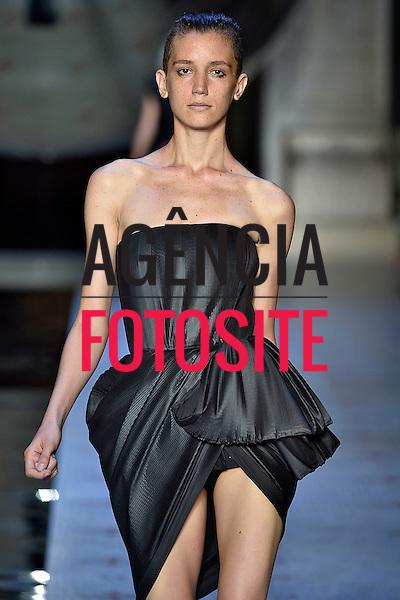 Dice_Kayek<br /> Paris Haute Couture Fall Winter 2015 - July 2015