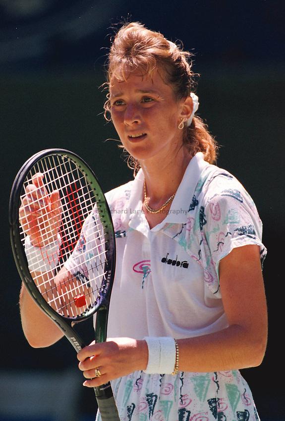 Photo. Steve Holland.Australian Open at Melbourne. 1994..Manuela Maleeva