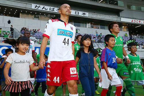 (L-R) Shinji Ono (Consadole), Daisuke Takagi (Verdy), OCTOBER 4, 2015 - Football / Soccer : 2015 J2 League match between Tokyo Verdy 0-2 Consadole Sapporo at Ajinomoto Stadium, Tokyo, Japan. (Photo by Shingo Ito/AFLO SPORT)