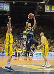 02.06.2019, EWE Arena, Oldenburg, GER, easy Credit-BBL, Playoffs, HF Spiel 1, EWE Baskets Oldenburg vs ALBA Berlin, im Bild<br /> da hoch?<br /> Peyton SIVA (ALBA Berlin #3 ) Viojdan STOJANOVSKI (EWE Baskets Oldenburg #19 ) Nathan BOOTHE (EWE Baskets Oldenburg #45 )<br /> Foto © nordphoto / Rojahn