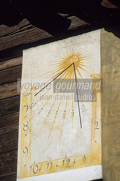 """Europe/Suisse/Engadine/St-Moritz: """"Le Carlton"""" - Détail cadran solaire"""