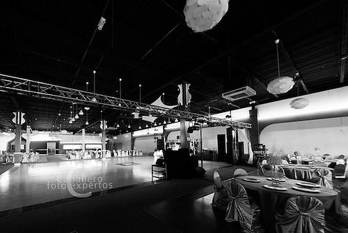 Salon de eventos de la evans & quebec lunas event center - Denver Colorado - Fotografo profesional Caballero