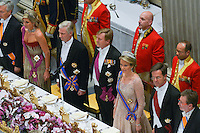 Le roi Philippe de Belgique et la reine Mathilde de Belgique en visite d'&eacute;tat aux Pays-Bas, lors d'un d&icirc;ner de gala avec le roi Willem-Alexander des Pays-Bas et la reine Maxima des Pays-Bas .<br /> Pays-Bas, Amsterdam, 28 novembre 2016.<br /> King Philippe of Belgium and Queen Mathilde of Belgium on a State Visit to The Netherlands, during the State banquet hosted by the King Willem-Alexander of The Netherlands and the Queen Maxima of The Netherlands.<br /> Netherlands, Amsterdam, 28 November 2016.