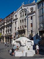 Brunnen Delijska, Fußgängerzone Knez Mihailova -Prinz-Michael-Straße, Belgrad, Serbien, Europa<br /> fountain Delijska, pedestrian area Knez Mihailova, Belgrade, Serbia, Europe