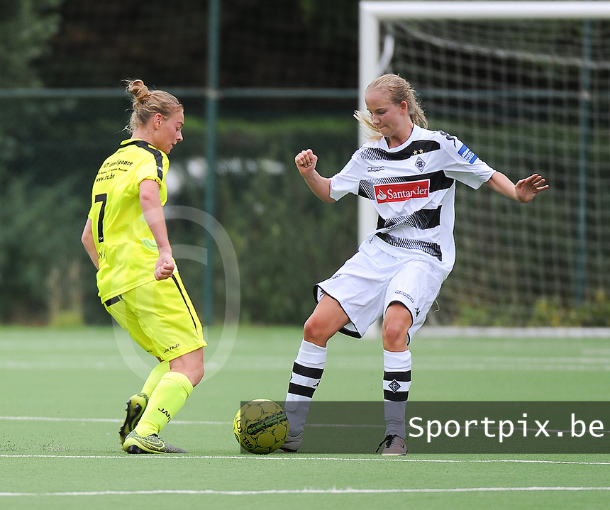 20160730 - GENT , BELGIUM : Gent's Margaux Van Ackere (L)  and Borussia Mönchengladbach's  Paula Petri (R) pictured during a friendly game between KAA Gent Ladies and Borussia Mönchengladbach during the preparations for the 2016-2017 season , Saturday 30 July 2016 ,  PHOTO Dirk Vuylsteke | Sportpix.Be