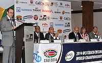 CALI - COLOMBIA - 21-01-2014: Juan Carlos Peña, Subdirector Coldeportes, habla durante presentación del Campeonato Mundial de Ciclismo en Pista UCI 2014, que se realizara en el Velodromo Alcides Nieto Patiño de la ciudad de Cali del 26 de febrero al 2 de marzo del presente año, con la participación de 38 paises y mas de 250 deportistas. / Juan Carlos Peña, Sub Director of COLDEPORTES, speaks during presentation of the World Championships 2014 UCI Track Cycling, which will be held at the Alcides Nieto Patiño Velodrome in Cali from February 26 to March 2 this year, with the participation of 38 countries and over 250 athletes. Photo: VizzorImage / Luis Ramirez / Staff.