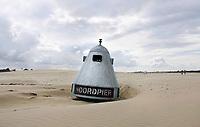 Nederland -  Velsen - 2019.  De Noordpier. Metalen afvalbak.  Foto Berlinda van Dam / Hollandse Hoogte