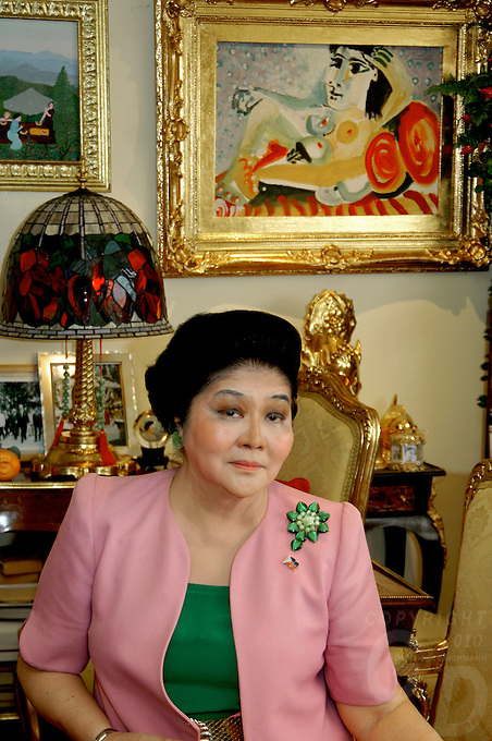 Imelda Marcos former first lady of the Philippines portrait in her appartement in Manila in 2006, Philippines, note the original Picasso painting on the wall behind her