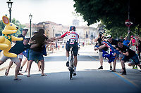 Adam Hansen (AUS/Lotto-Soudal) high-fivin' some australian fans along the way (at +50km/h)<br /> <br /> Stage 21 (ITT): Verona to Verona (17km)<br /> 102nd Giro d'Italia 2019<br /> <br /> ©kramon