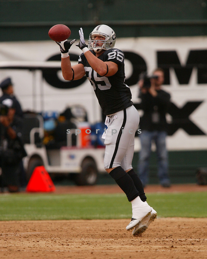 JOHN MADSEN,  of the Oakland Raiders, in action during the Raiders game against the Cleveland Browns game on September 23, 2007 in Oakland, CA...Raiders win 26-24.........