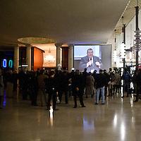 """""""Elezioni subito"""" manifestazione organizzata al teatro Manzoni da Giuliano Ferrara comntro il governo Monti..Megaschermo all'ingresso del teatro Manzoni"""