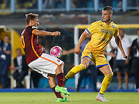 Calcio, Serie A: Frosinone vs Roma. Frosinone, stadio Comunale, 12 settembre 2015.<br /> Roma&rsquo;s Francesco Totti, left, is challenged by Frosinone&rsquo;s Aleandro Rosi during the Italian Serie A football match between Frosinone and Roma at Frosinone Comunale stadium, 12 September 2015.<br /> UPDATE IMAGES PRESS/Riccardo De Luca