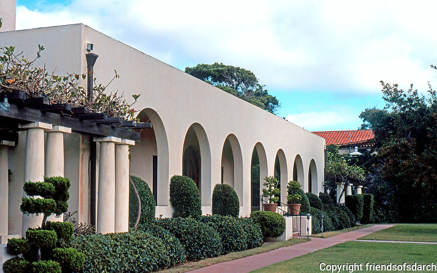 Irving Gill: La Jolla Woman's Club, 1913. (Photo '78)