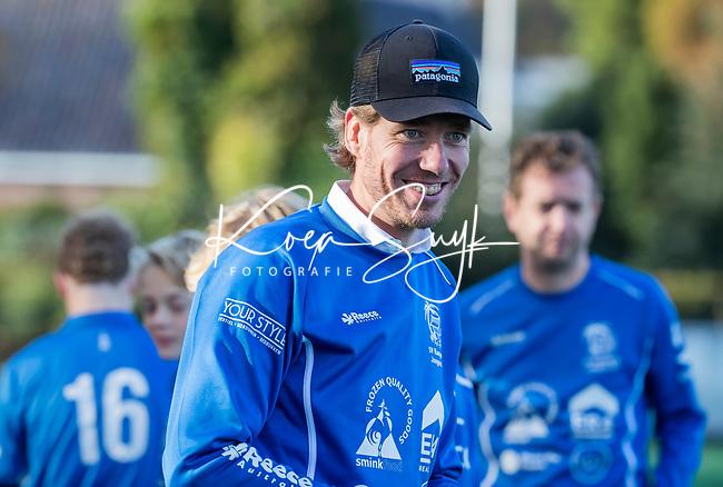 BLOEMENDAAL  - Kampong coach Tim Oudenaller,  , competitiewedstrijd junioren  landelijk  Bloemendaal JB1-Kampong JB1 (4-3) . COPYRIGHT KOEN SUYK