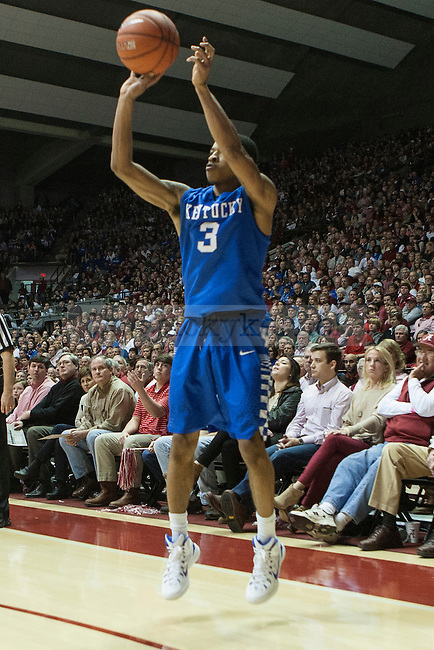 Guard Tyler Ulis of the Kentucky Wildcats shoots a three during the game against the Alabama Crimson Tide at Coleman Coliseum on Saturday, January 17, 2015 in in Tuscaloosa, AL. Kentucky defeated Alabama 70-48. Photo by Michael Reaves | Staff