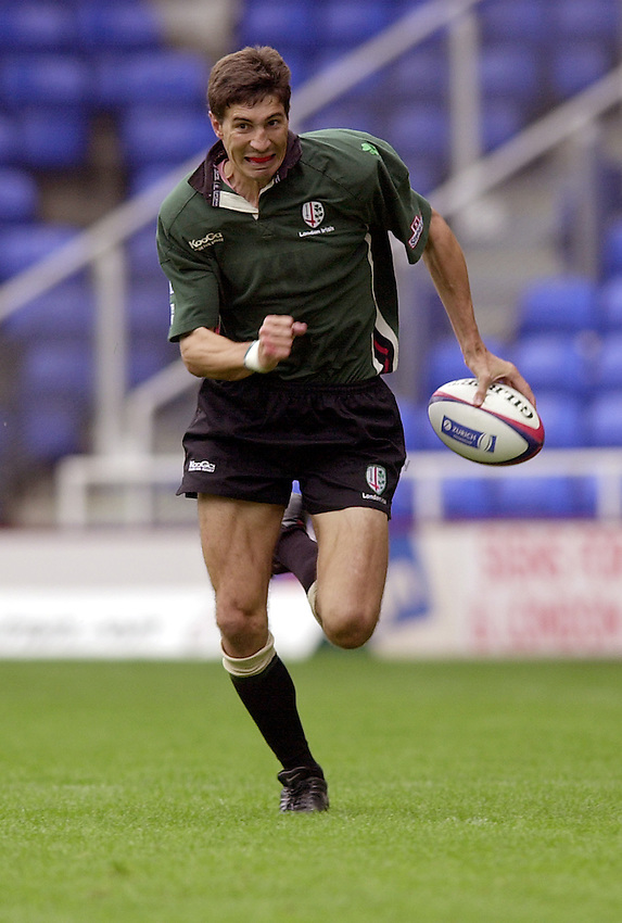 Photo. Richard Lane. .London Irish v Saracens. Zurich Premiership. 15-09-2002.Pieter Rossouw