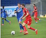 Steven Zuber (TSG 1899 Hoffenheim) und Dominik Drexler (1.FC Köln)<br /> <br /> Foto: POOLFOTO/Avanti/Ralf Poller/PIX-Sportfotos.<br /> TSG 1899 Hoffenheim-1. FC Koeln.<br /> Sinsheim,  GER, 27.05.2020 , 28. Spieltag , Fussball 1. Bundesliga 2019/2020.<br /> <br /> Sport: Fussball: LIGA: Saison 19/20: TSG 1899 Hoffenheim- 1.FC Koeln, 27.05.2020.<br /> Foto: RALF POLLER/AVANTI/POOL<br /> <br /> Nur für journalistische Zwecke! Only for editorial use! <br /> Gemäß den Vorgaben der DFL Deutsche Fußball Liga ist es untersagt, in dem Stadion und/oder vom Spiel angefertigte Fotoaufnahmen in Form von Sequenzbildern und/oder videoähnlichen Fotostrecken zu verwerten bzw. verwerten zu lassen. DFL regulations prohibit any use of photographs as image sequences and/or quasi-video.