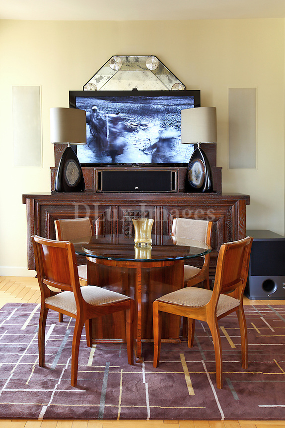 contemporary dining room with classic decorations