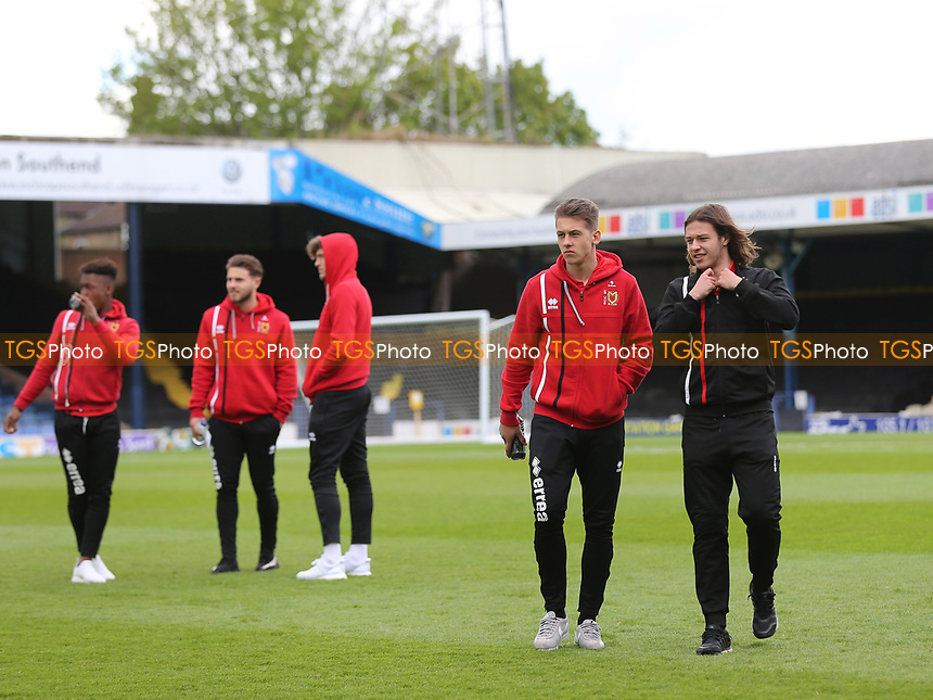 MK Dons players walk around the pitch pre-match during Southend United vs MK Dons, Sky Bet EFL League 1 Football at Roots Hall on 17th April 2017