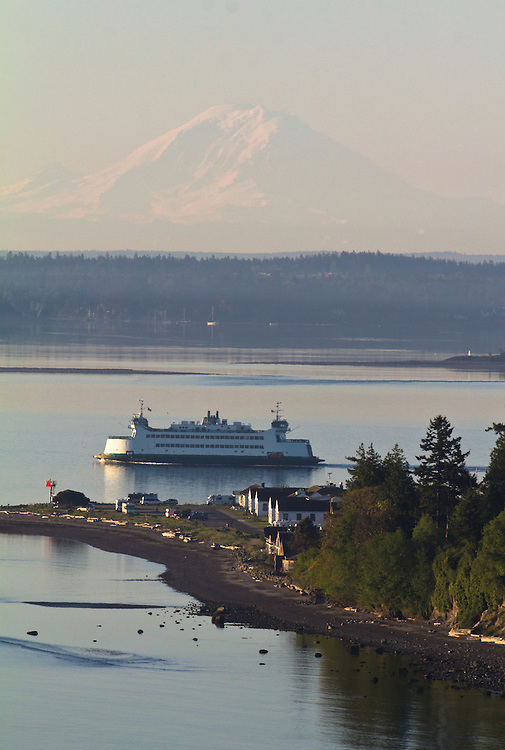 Puget Sound, Port Townsend, Mount Rainier, Washington State Ferry, sunrise, Olympic Peninsula, Washington State, Pacific Northwest, USA,