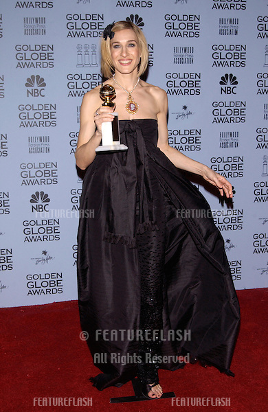 Actress SARAH JESSICA PARKER at the 59th Annual Golden Globe Awards in Beverly Hills..20JAN2002.© Paul Smith/Featureflash