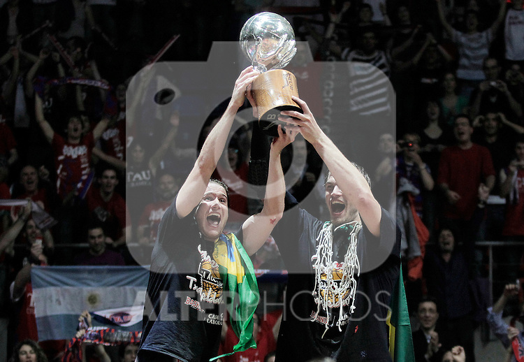 Caja Laboral Baskonia's Marcelinho Huertas and Tiago Splitter celebrate the victory in the ACB Finals. June 15,2010. (ALTERPHOTOS/Acero)