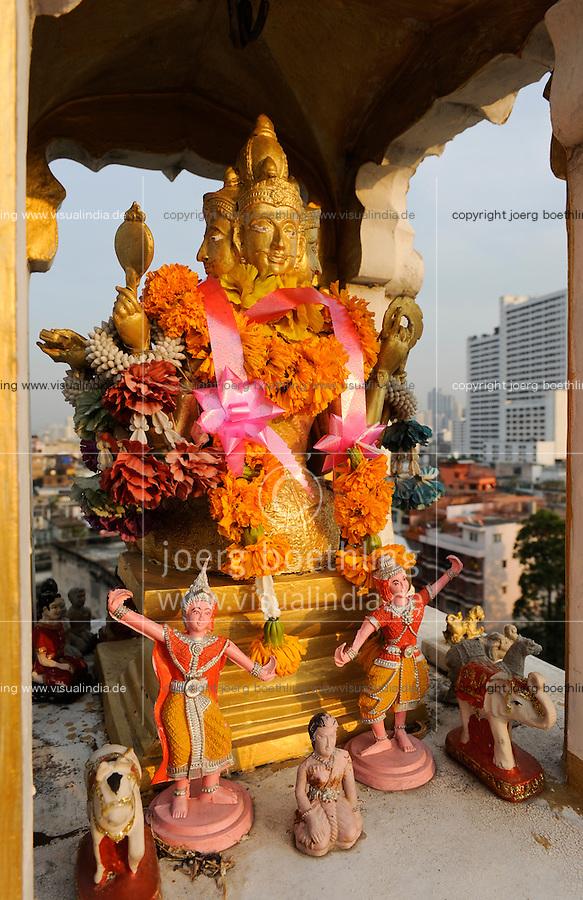 Thailand Bangkok, buddhist shrine on roof top / buddhistischer Schrein auf einem Hochhausdach in der der Chinatown