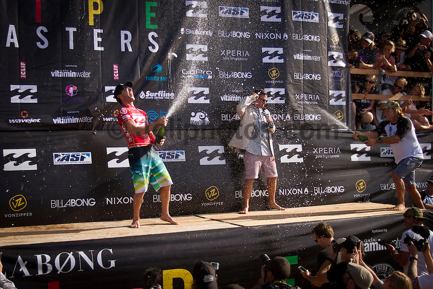 HONOLULU, Oahu, Banzai Pipeline - (Friday, December 14, 2012) -- The Billabong Pipe Masters wrapped up today with the crowning of the 2012 World Title going to Joel Parkinson (AUS) after Josh Kerr (AUS) defeated Kelly Slater (USA) in the second semi final..Photo: joliphotos.com