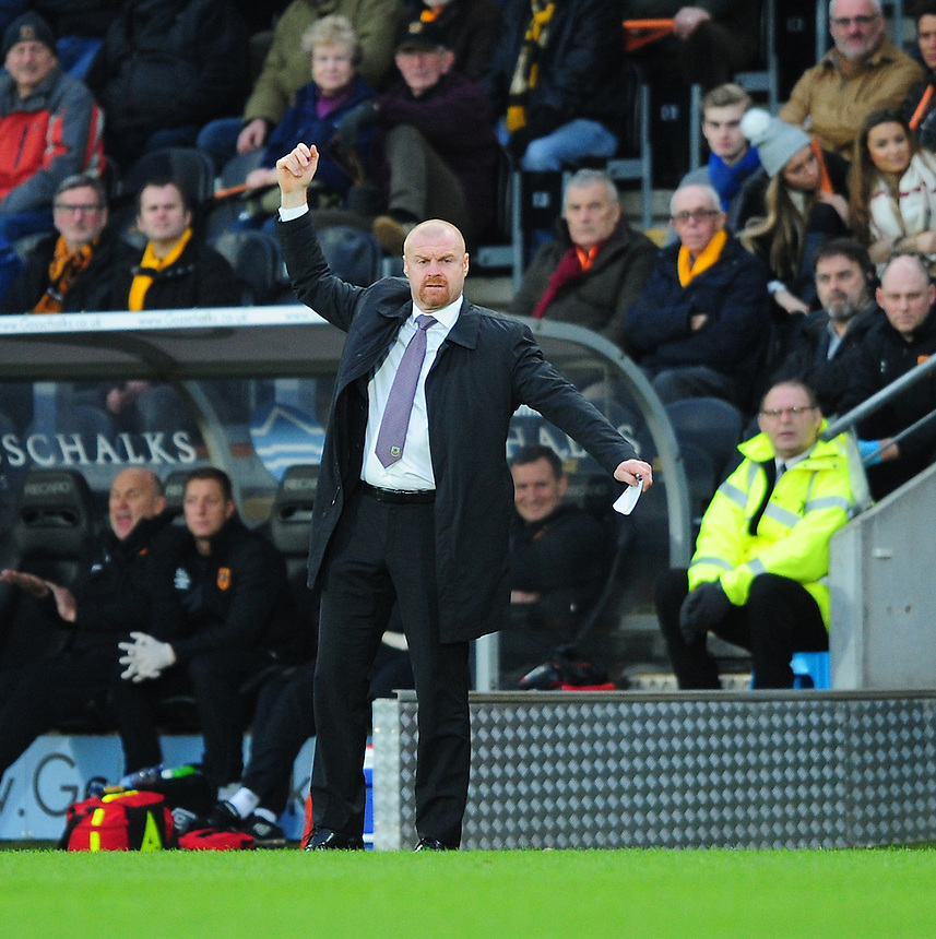 Burnley manager Sean Dyche shouts instructions to his team from the dug-out<br /> <br /> Photographer Chris Vaughan/CameraSport<br /> <br /> Football - The Football League Sky Bet Championship - Hull City v Burnley - Saturday 26th December 2015 - Kingston Communications Stadium - Hull<br /> <br /> &copy; CameraSport - 43 Linden Ave. Countesthorpe. Leicester. England. LE8 5PG - Tel: +44 (0) 116 277 4147 - admin@camerasport.com - www.camerasport.com