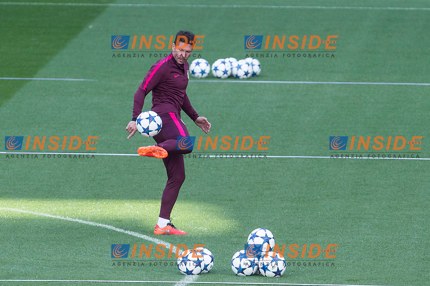 Diego Pablo Cholo Simeone coach of Atletico de Madrid during the training before the match of Champions League between Real Madrid and Atletico de Madrid at Santiago Bernabeu Stadium  in Madrid, Spain. May 01, 2017. (ALTERPHOTOS/Rodrigo Jimenez)<br /> Champions League 2016/2017<br /> Foto Alterphotos / Insidefoto <br /> ITALY ONLY