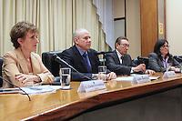 BRASILIA, DF, 23 DE ABRIL DE 2013  - GUIDO MANTEGA CONCEDE ENTREVISTA COM EDSON LOBAO - O Ministro da fazenda Guido Mantega e o Ministro de Minas e Energia Edson Lobao durante coletiva de imprensa, na tarde desta treca-feira,23, em Brasilia capital do Distrito Federal. FOTO  RONALDO BRANDAO / BRAZIL PHOTO PRESS.