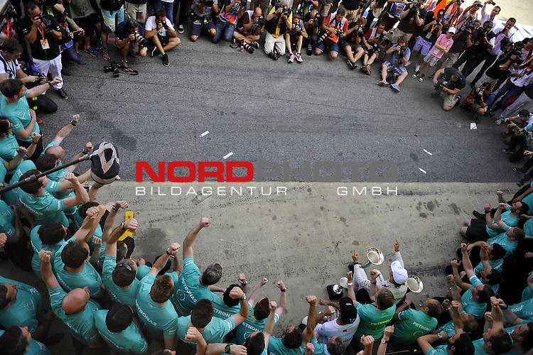 07.05 - 10.05.2015, Circuit de Catalunya, Barcelona, ESP, Formel 1, 2015,  im Bild Nico Rosberg (GER), Mercedes GP - Lewis Hamilton (GBR), Mercedes GP<br />  Foto &copy; nph / Mathis