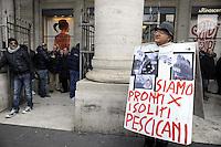 Roma, 13 Gennaio 2012.Piaza colonna.Tassisti protetano davanti la sede del Governo contro la liberalizzazione delle licenze