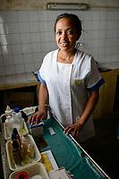 MADAGASCAR, village AMBOHITSARA, tribe ANTAMBAHOAKA, health station / MADAGASKAR, Mananjary, Stamm der ANTAMBAHOAKA im Dorf AMBOHITSARA am canal des Pangalanes, Krankenstation, Krankenschwester ESTELLA