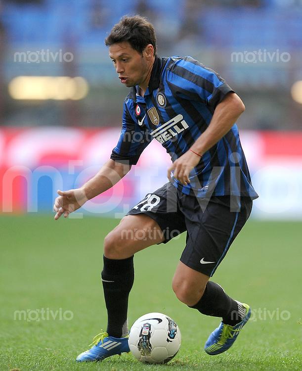 FUSSBALL INTERNATIONAL   SERIE A   SAISON 2011/2012    Inter Mailand - Chievoverona  23.10.2011 Matias Zarate Mauro (Inter Mailand)