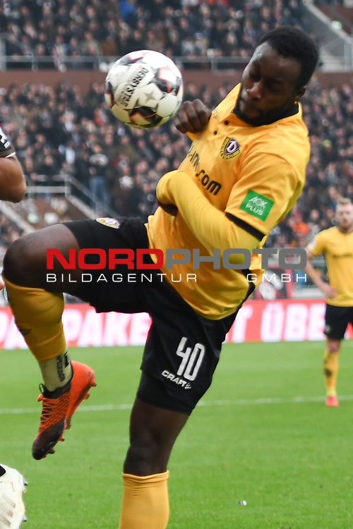 01.12.2018,  GER; 2. FBL, FC St. Pauli vs SG Dynamo Dresden ,DFL REGULATIONS PROHIBIT ANY USE OF PHOTOGRAPHS AS IMAGE SEQUENCES AND/OR QUASI-VIDEO, im Bild Einzelaktion Hochformat Erich Berko (Dresden #40) Foto © nordphoto / Witke