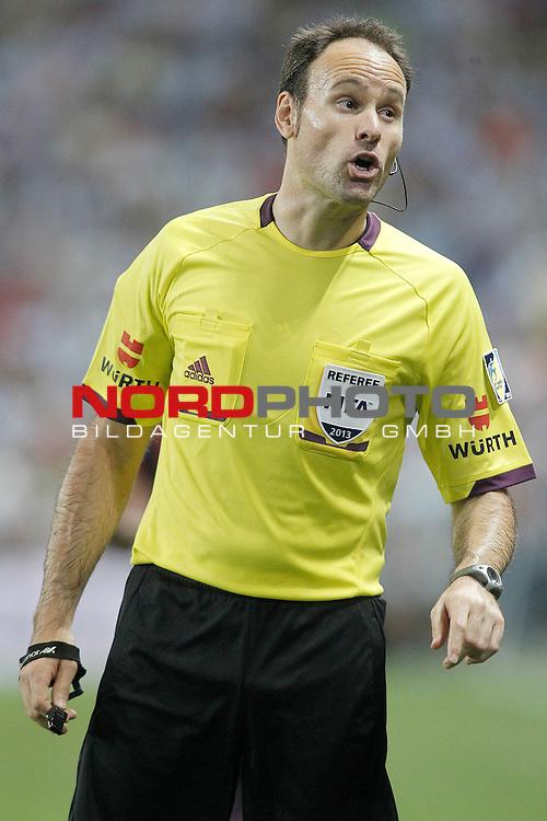 Spanish referee Antonio Miguel Mateu Lahoz during La Liga match.August 25,2013. Foto © nph / Acero)
