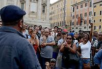 Roma, 1 Settembre 2017<br /> I movimenti per il diritto all'abitare insieme alle famiglie sgomberate nei giorni passati protestano durante il Vertice tra la Sindaca di Roma e il Ministro dell'interno